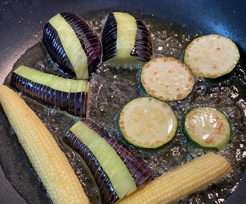夏野菜の揚げ浸しの作り方2