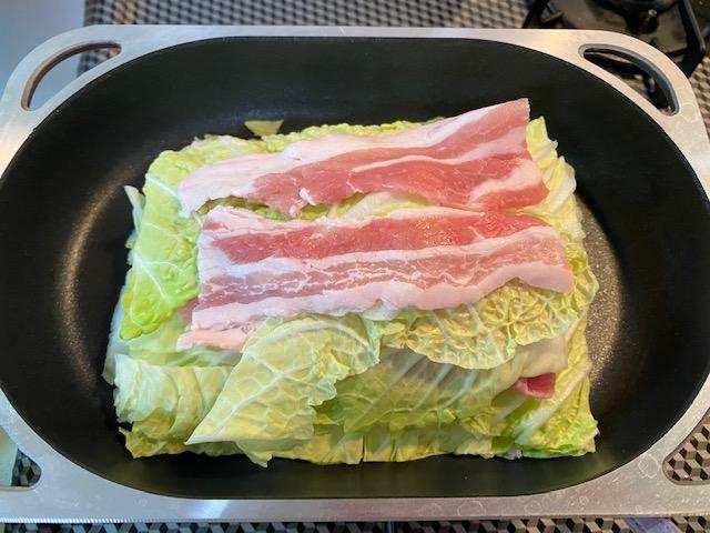 白菜と豚バラ肉の重ね蒸し<クリーム仕立て>の作り方1